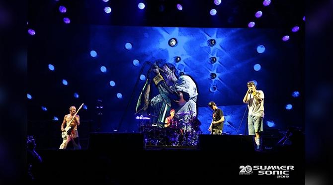 【サマソニ2019 東京ライブレポ】圧倒的な存在感を見せたRED HOT CHILI PEPPERS